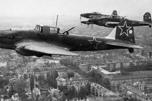 Ribuan Tank dan Pesawat Tempur Gambarkan Hebatnya Kekuatan Militer Uni Soviet Pada Masanya