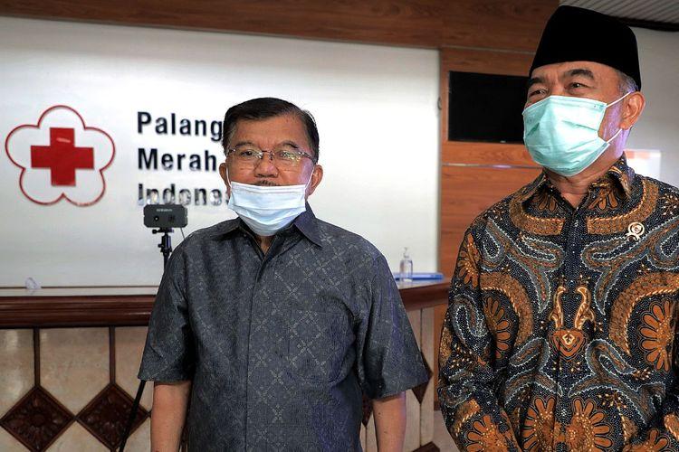Menteri Kordinator Pembangunan Manusia dan Kebudayaan, Muhajir Effendi, menemui ketua Umum Palang Merah Indonesia (PMI) sekaligus ketua Dewan Masjid Indonesia (DMI) Jusuf Kalla (JK), Rabu (7/4/2021).