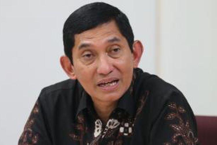 Presiden Direktur PT Freeport Indonesia Maroef Sjamsoeddin, didampingi sejumlah stafnya saat berkunjung ke Redaksi Kompas, Jakarta, Senin (16/2/2015). Dalam kunjungan tersebut Freeport mensosialisasikan rencana pembangunan fasilitas pengolahan barang tambang (smelter).