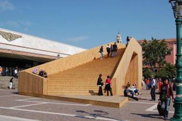 Tahun 2014, salah satu instalasi karya arsitek Indonesia bakal mewarnai The Venice Biennale dan dapat disaksikan secara luas seperti karya David Narro dalam gambar.