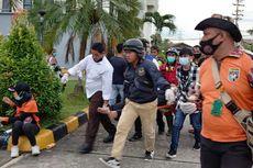Polisi Bubarkan Demonstran di DPRD Kaltim dengan Gas Air Mata, Ada yang Patah Tangan
