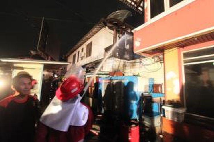 Hotel kelas Melati terbakar, saat pengunjung tengah ramai