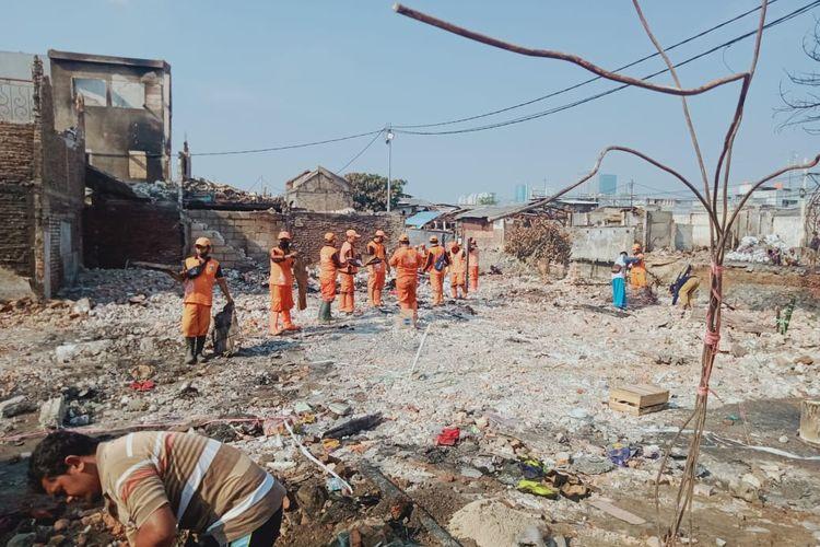 Lokasi kebakaran di Kelurahan Duri Selatan Kecamatan Tambora Jakarta Barat setelah diratakan, Minggu (61/8/2020)