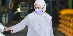 Kunjungi Pabrik Penggilingan Padi, Bupati Luwu Utara Borong 5 Ton Beras untuk Warga