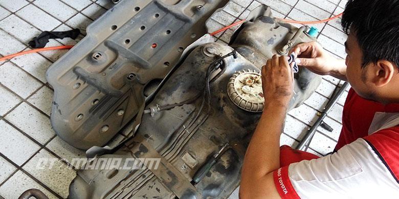 Perawatan berkala pada tangki bahan bakar kendaraan perlu dilakukan untuk menjamin kualitas bahan bakar yang disediakan untuk mesin