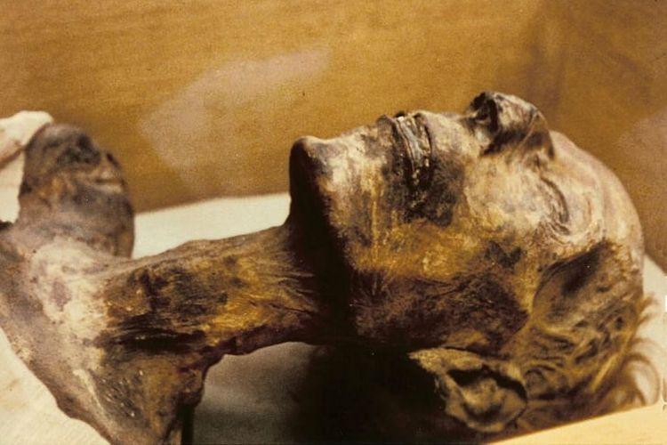 Mumi Ramses II dari Mesir. [Via Mentalfloss]