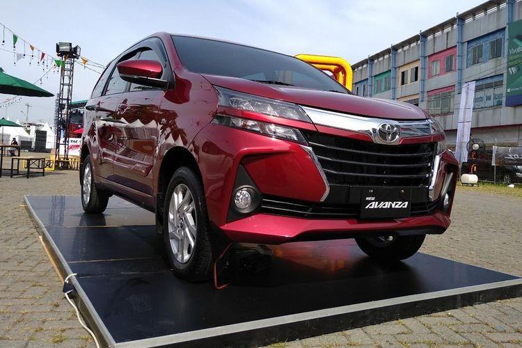 Penampilan Toyota Avanza Veloz 2019 yang dipamerkan dalam Festival Avanza Veloz Sebangsa di Medan, Sabtu (10/8/2019). Festival ini digelar hingga besok Minggu (11/82019) dan diisi dengan berbagai bazar, kuliner, permainan anak dan lainnya.