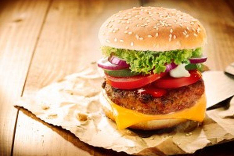 Waspadai kadar garam dalam makanan cepat saji.