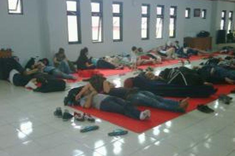 Sebanyak 70 imigran asal Afganistan diamankan di Mako Polres Tasikmalaya, Selasa (6/8/2013).