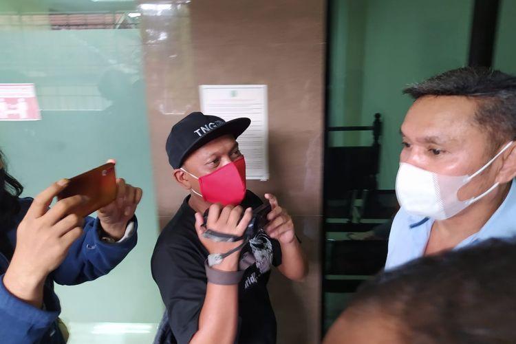 Agrapinus Rumatora alias Nus Kei hadir dalam agenda sidang putusan 22 orang anak buah John Kei. Sidang putusan terhadap 22 terdakwa tersebut dilakukan di Pengadilan Negeri Tangerang, Kamis (21/1/2021) siang.