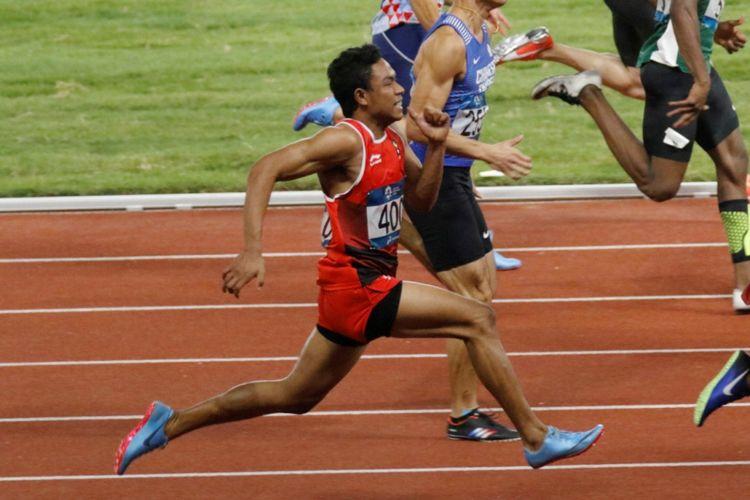 Pelari muda asal Indonesia, Lalu Muhammad Zohri, tampil pada final nomor lari 100 meter putra Asian Games 2018 di Stadion Utama Gelora Bung Karno, 26 Agustus 2018.