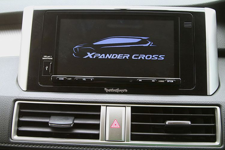 Head Unit Xpander Cross Rockford Fosgate Black Edition