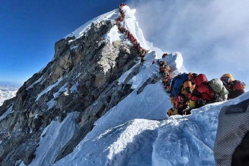7 Fakta Menarik Gunung Everest, Ada Ritual Pendakian