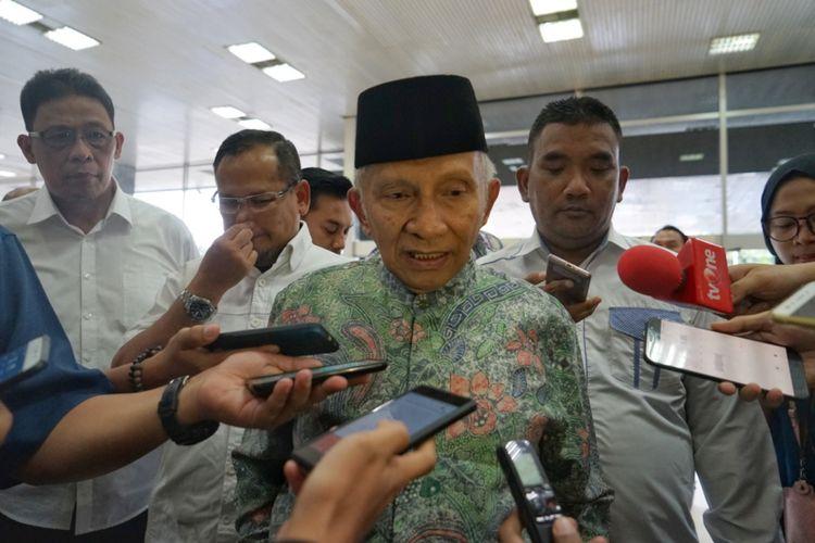 Mantan Ketua MPR Amien Rais mendatangi kompleks Parlemen, Senayan, Jakarta, Senin (21/5/2018). Menurut rencana, Amien akan memberikan refleksi terkait peringatan 20 tahun reformasi.