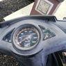 Apa Benar Oli Bisa Bikin Retak Halus di Mika Speedometer Hilang?