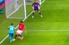 Man United vs Bournemouth, Meme Kocak Harry Maguire