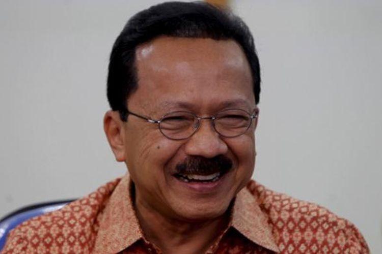 Fauzi Bowo, saat masih menjabat Gubernur DKI Jakarta, mengunjungi kantor redaksi Kompas.com di Palmerah, Jakarta, Jumat (6/1/2012).