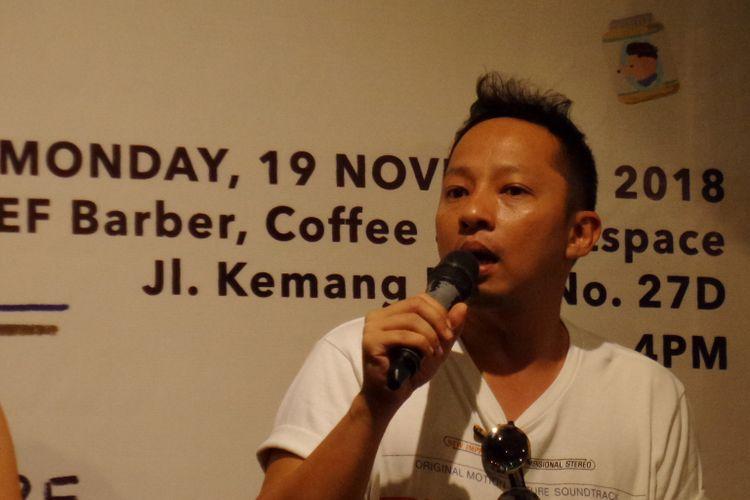 Aktor Ringgo Agus Rahman ketika menghadiri peluncuran buku anak berjudul Little Chief Goes To The Barbershop karya presenter televisi Tascha Liudmila di Chief Barber, Coffee & Artspace Kemang, Jakarta Selatan, Senin (19/11/2018).