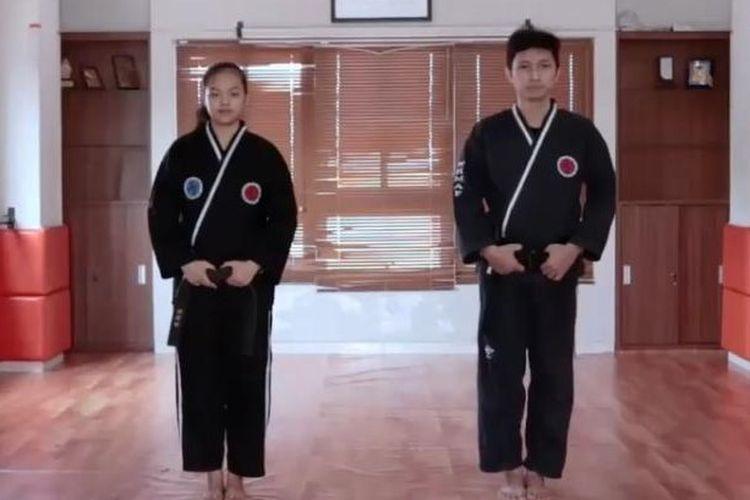 Dua atlet peserta Kejuaraan Online 1st South East Asia Hapkido Union, Sylvia Candra (kiri)  dan Alexander Indra (kanan) pada 6-7 Maret 2021.