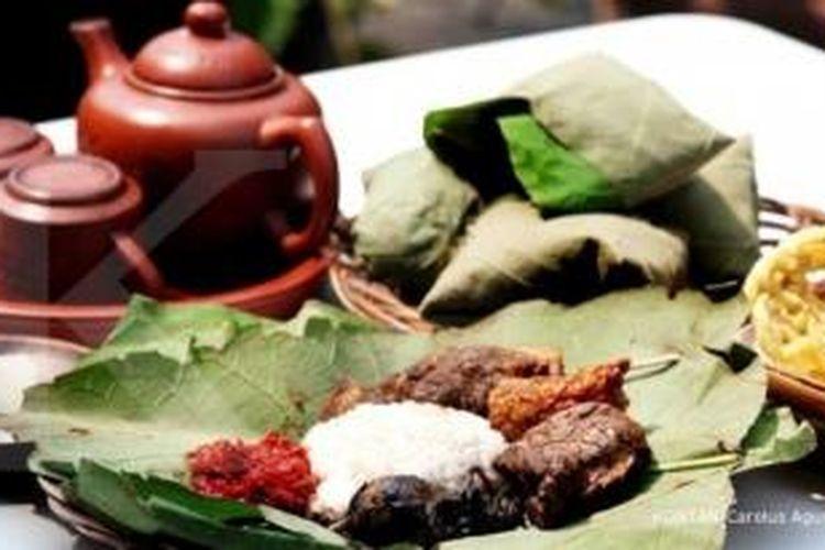 Menu khas Cirebon di Griya Kula, Rawamangun.