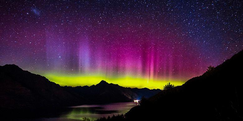 Teks Eksplanasi Bahasa Inggris Tentang Aurora - Terkait Teks