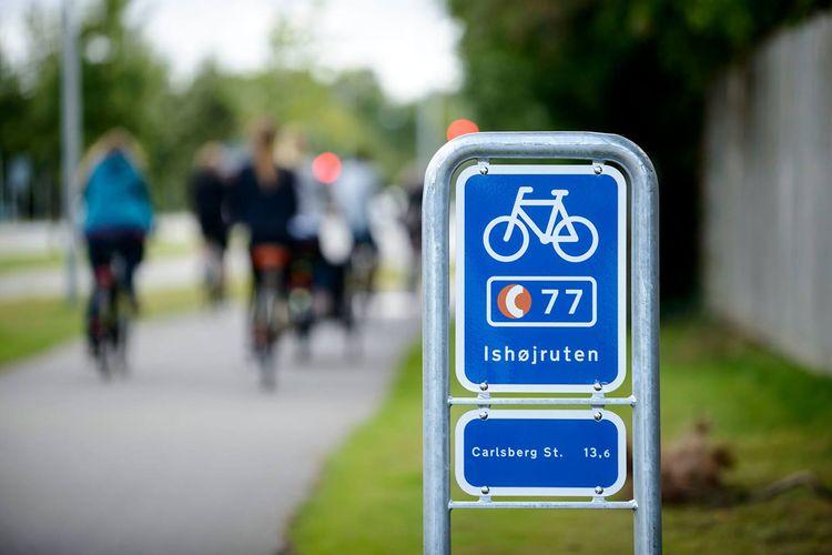 Ilustrasi bersepeda di Denmark.