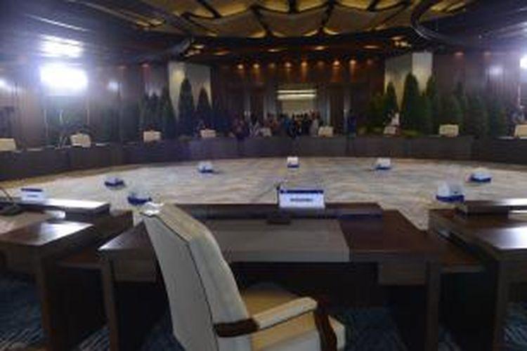 Ruangan untuk pertemuan eksklusif (retreat) khusus kepala negara dalam Forum Kerja Sama Ekonomi Asia Pasifik (APEC) di Hotel Sofitel, Nusa Dua, Bali.