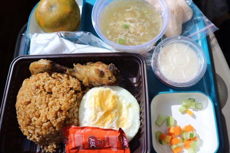 Nasi Goreng Parahyangan yang disajikan kembali di KA Wisata Priority.