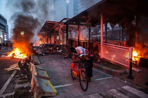 Separator Transjakarta yang Dirusak Saat Demo Kemarin Sudah Diperbaiki