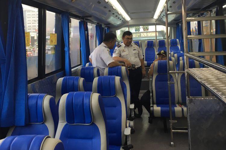 Bus Transjabodetabek Premium rute Mega Bekasi City ke Plaza Senayan diuji coba, Kamis (7/9/2017).