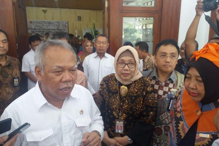 Menteri PUPR, Basuki Hadimuljono saat pelantikan Direktur dan Wakil Direktur Politeknik Pekerjaan Umum (PU) di Semarang, Rabu (27/3/2019).