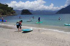 Puluhan Pecinta Paddle Board Susuri Keindahan Kawasan Teluk Prigi Trenggalek