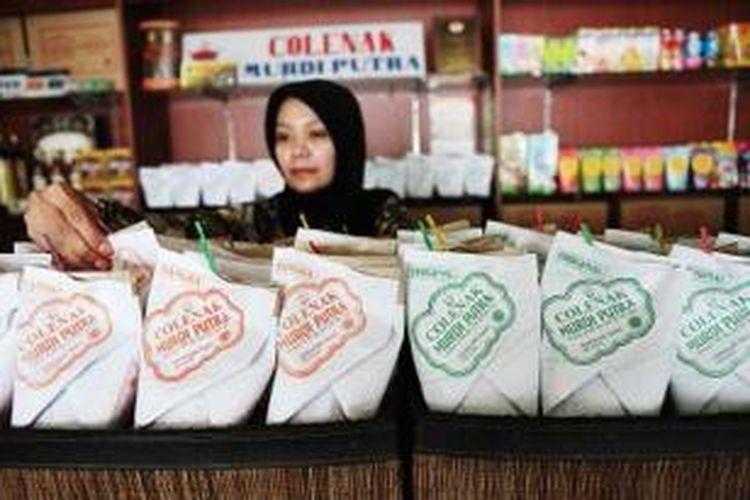 Colenak Murdi Putra Bandung menawarkan tiga rasa, yaitu orisinal, nangka, dan durian.