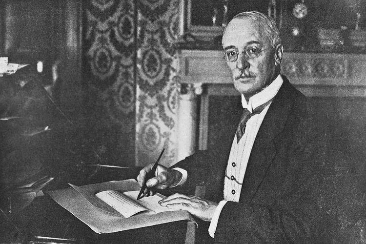 Rudolf Diesel sang penemu mesin diesel pada 1893.