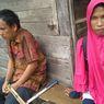 Jalan Kaki Sambil Bawa Pikulan Berdua, Ini Kisah Cinta Tunanetra Penjual Keripik