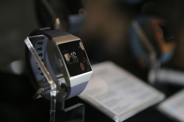 Fitbit-Ionic, Multisport-Smartwatch dilengkapi dengan serangkaian fitur untuk membantu para penikmat olahraga beraktivitas dan memantau kebugaran mereka.