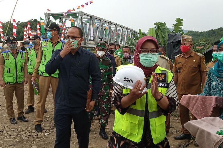 Bupati Bogor Ade Yasin saat ditemui usai peresmian jembatan Cimapag, Desa Buana Jaya, Kecamatan Tanjungsari, Kabupaten Bogor, Jawa Barat, Senin (28/12/2020).
