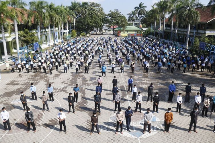 DISAMBUT--Pondok Modern Darussalam Gontor (PMDG) Kampus 2 memberikan sambutan khusus bagi 41 santri positif Covid-19 yang dinyatakan sembuh.