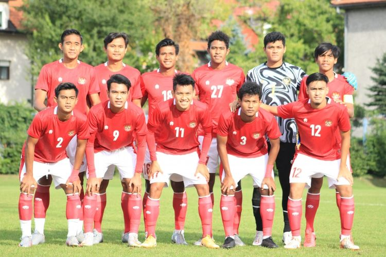 Skuad timnas U19 Indonesia ketika melawan Dinamo Zagreb dalam laga uji coba di Kroasia.