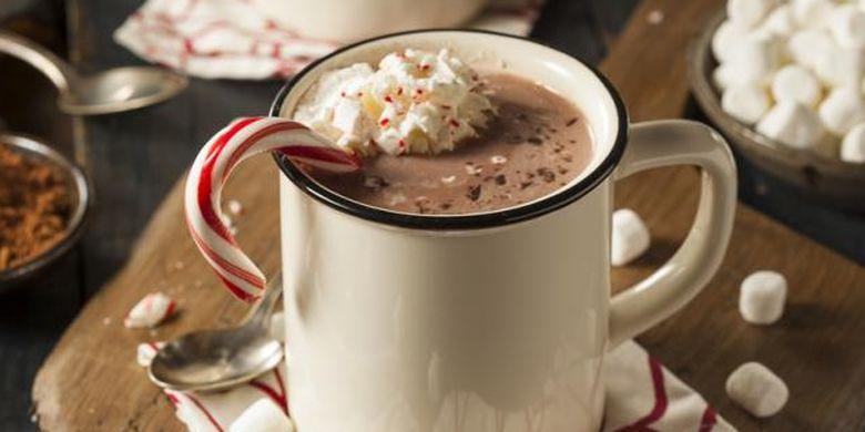 Minuman manis tak dianjurkan untuk dikonsumsi saat sahur oleh penderita penyakit asam lambung.