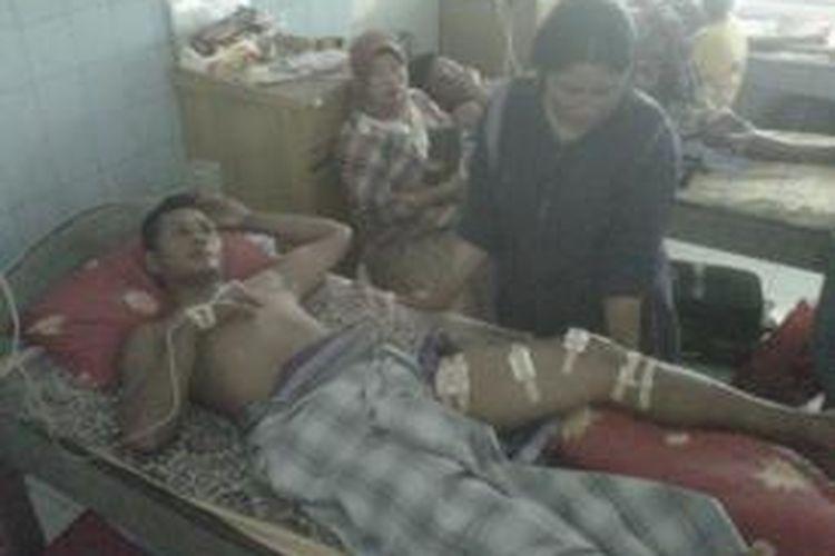 Yunus Daeng Nompo (35) warga Kabupaten Takalar yang menjadi korban penembaTan anggota Brimob di wilayah sengketa lahan PTPN XIV dirawat di RS Bhayangkara Makassar.