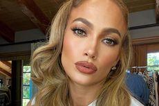 Cantiknya Rambut Baru Jennifer Lopez, Mirip Barbie di Era 90an
