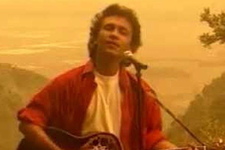 Lirik dan Chord Lagu Pancasila Rumah Kita - Franky Sahilatua