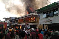 Detik-detik Ruko di Kuansing Riau Dilalap Api, Nenek Tewas Terbakar di Kamar Mandi