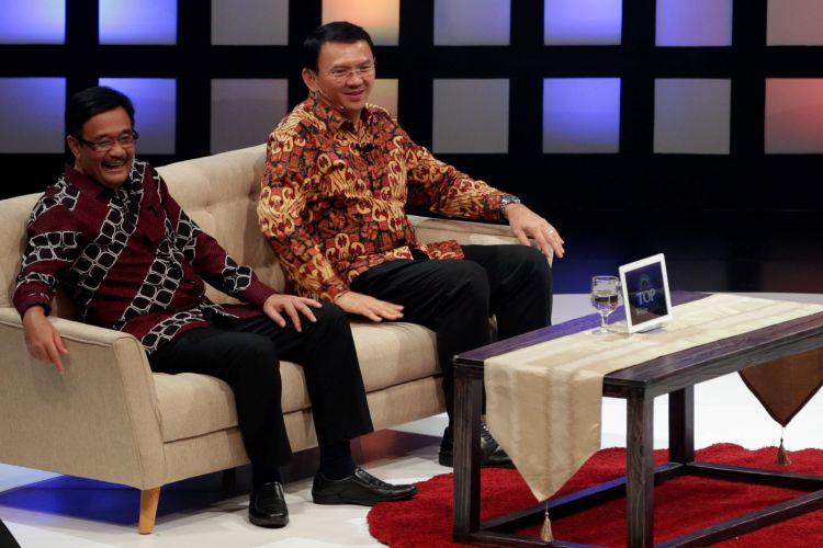 Calon gubernur dan wakil gubernur DKI Jakarta nomor urut dua,  Basuki Tjahaja Purnama  atau Ahok dan Djarot Saiful Hidayat hadir dalam acara debat di program Rosi di Kompas TV, Minggu (2/4/2017). Acara debat yang dirancang untuk dua pasangan cagub-cawagub DKI hanya dihadiri pasangan Ahok - Djarot. KOMPAS IMAGES/KRISTIANTO PURNOMO