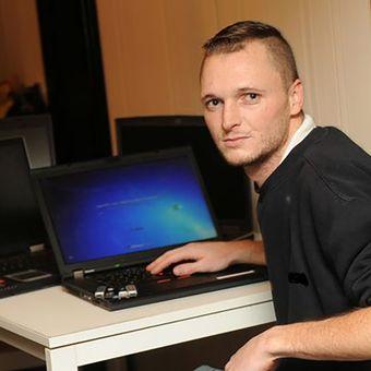 James Howells, pria asal Wales, Inggris, yang membuang hard disk berisi 7.500 bitcoin pada 2013