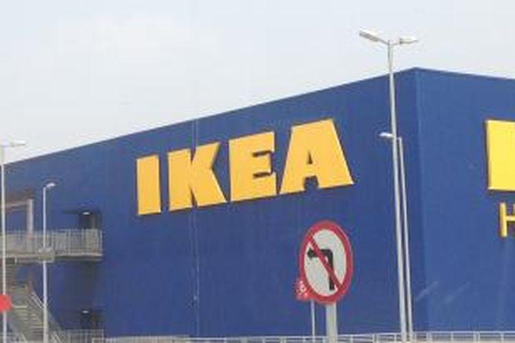 Toko IKEA Indonesia, di Alam Sutera, Tangerang, Banten, Senin (13/10/2014).