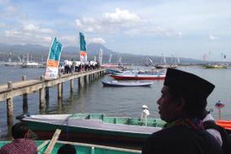 Pelabuhan nelayan di desa Kelurahan Kolo, Kecamatan Asakota, Kota Bima, Nusa Tenggara Barat, Senin (8/6/2015).