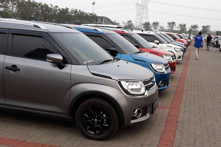 Mobil komunitas padati parkiran GIIAS 2018