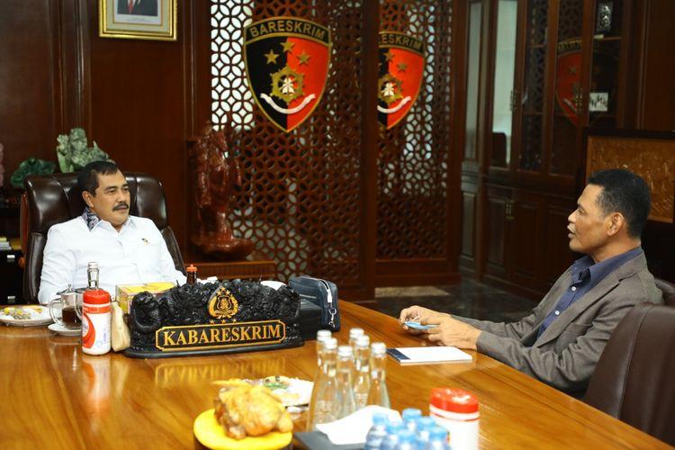 Kepala Badan Reserse Kriminal (Kabareskrim) Polri Komjen (Pol) Agus Andrianto menerima kunjungan Atase Kepolisian Duta Besar Malaysia, Acp Zakaria Abdul Rahim di Kompleks Mabes Polri, Jakarta, Kamis (25/3/2021).